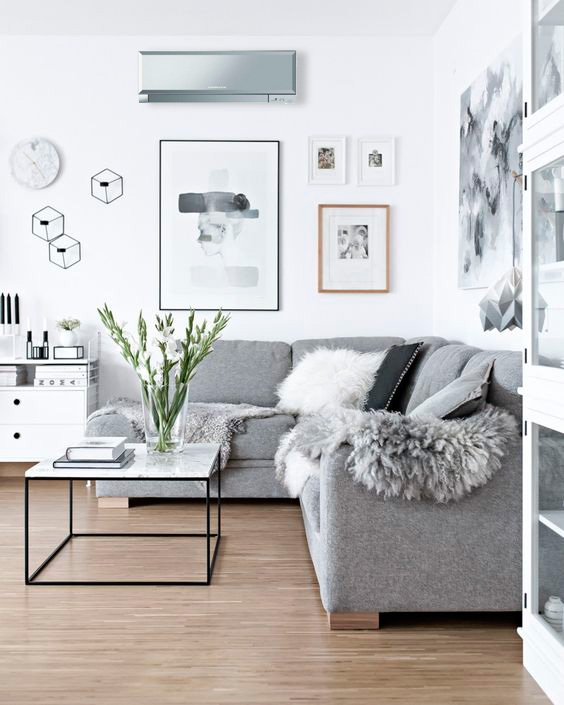 Splits de ar condicionado na sala de estar